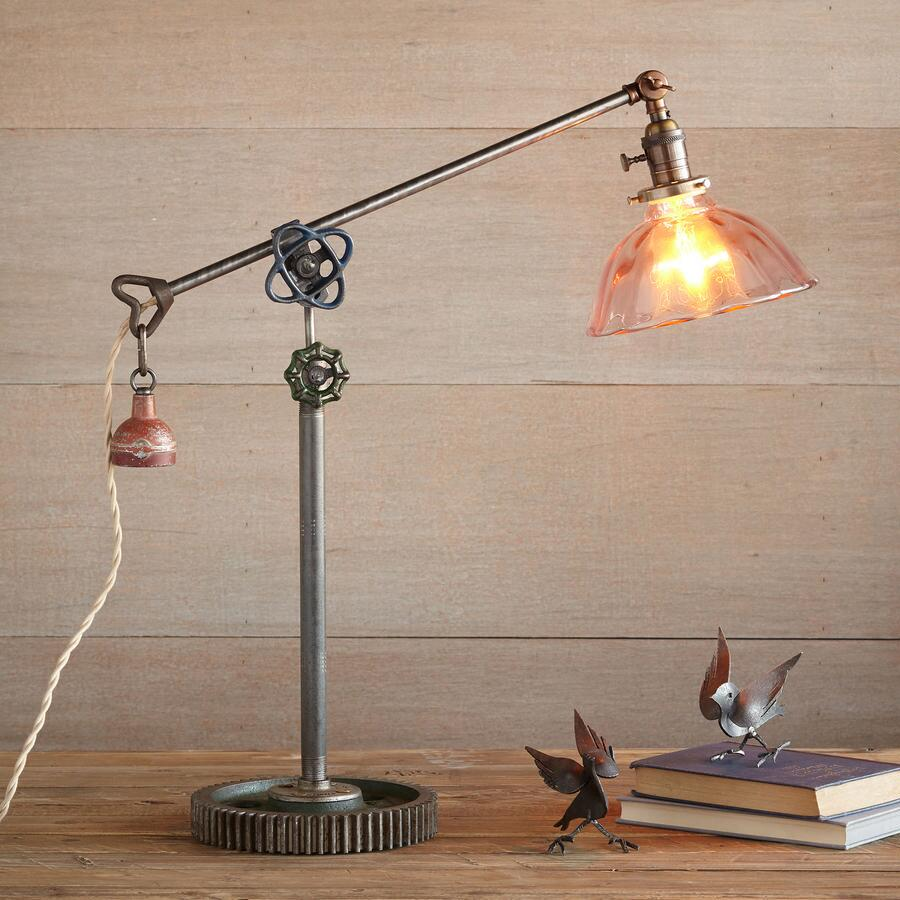ROUND ROCK TABLE LAMP