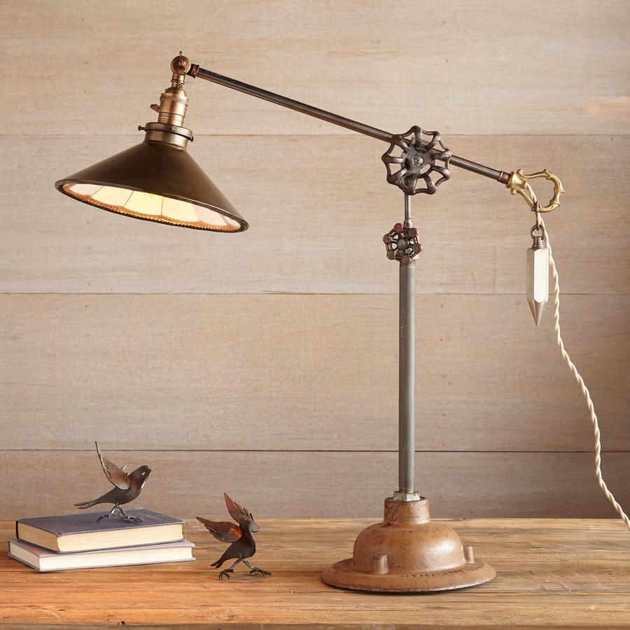 LOUISVILLE TABLE LAMP