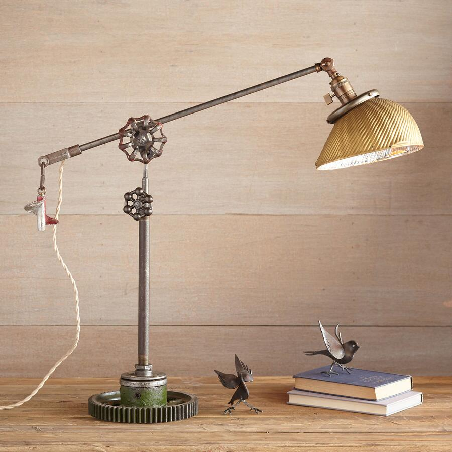 MUSCLE SHOALS TABLE LAMP