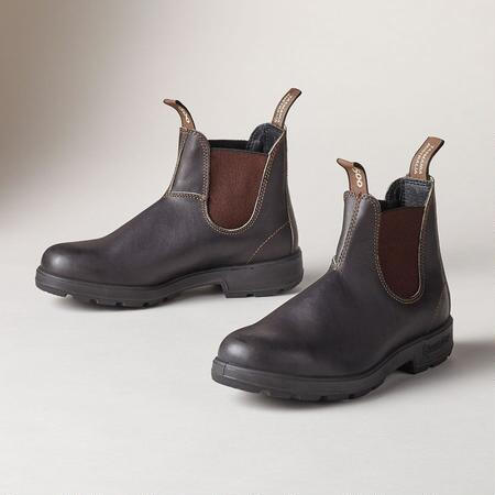 CLASSIC SERIES BLUNDSTONE BOOTS