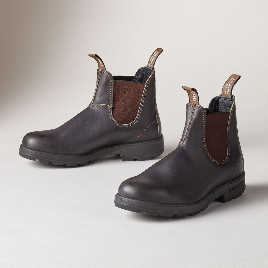 CLASSIC BLUNDSTONE BOOTS