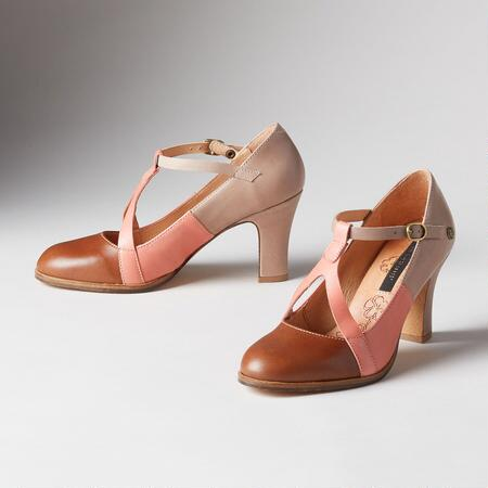 TRICOLORE T STRAP PUMPS