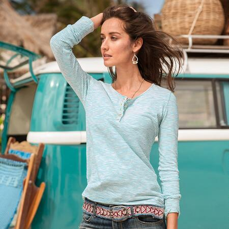 RELAXED VIBE STRIPED HENLEY