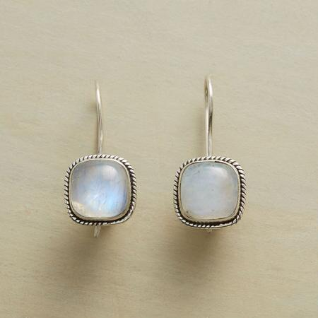 MOONSIDE EARRINGS