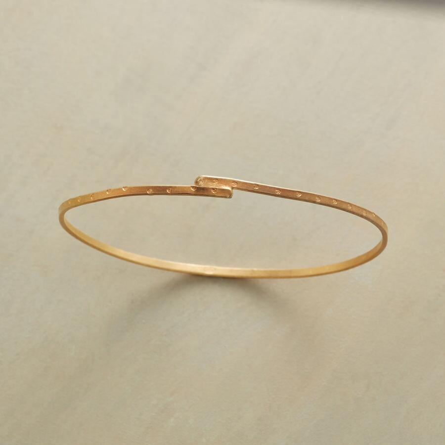 YELLOW GOLDPLATE STORYLINE BANGLE