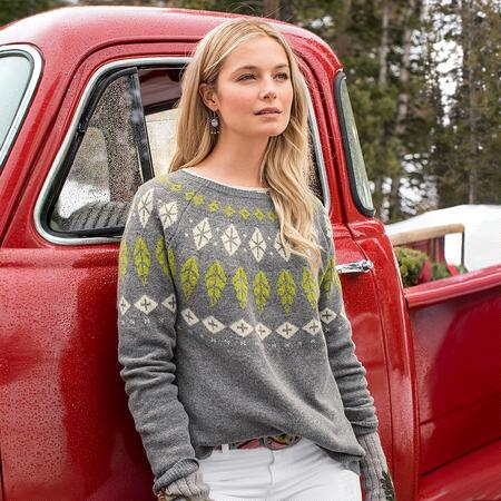 FALLING FEATHERS PULLOVER