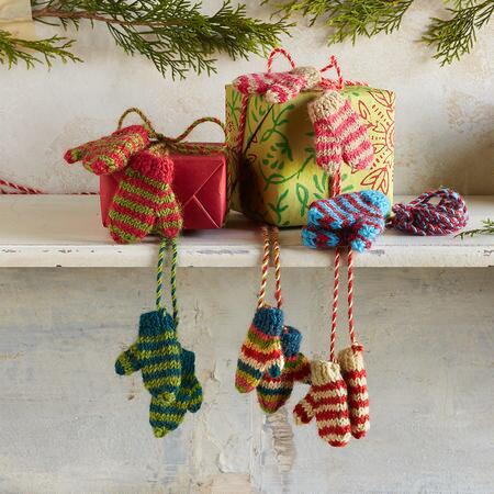 WONDERLAND MITTENS ON A STRING, SET OF 3