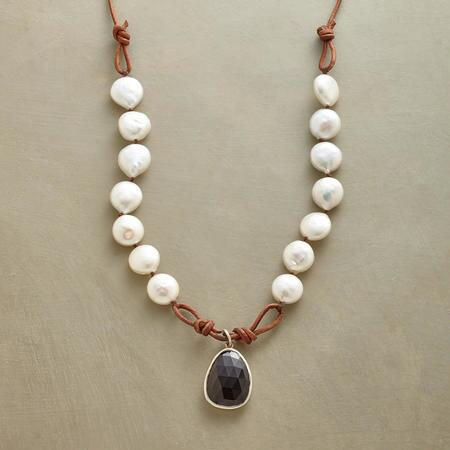 SNOWDRIFT NECKLACE