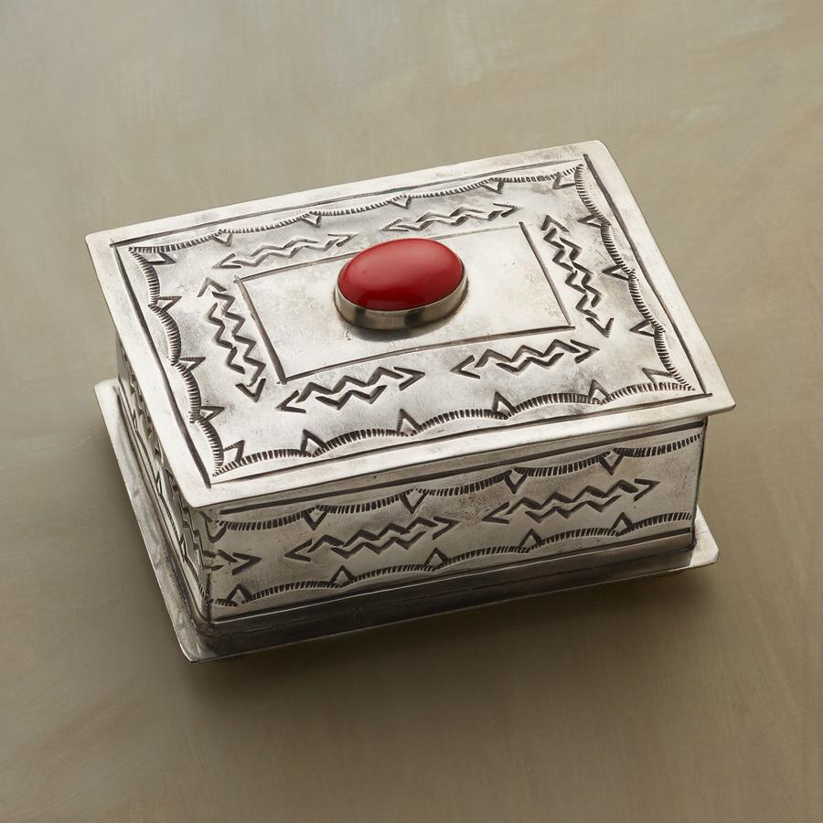 CORAL GEM CROWNED JEWLERY BOX