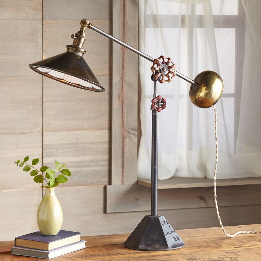 TALLAHASSEE TABLE LAMP