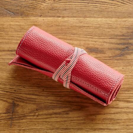 SUPPLE AND SOFT JEWELRY ROLL