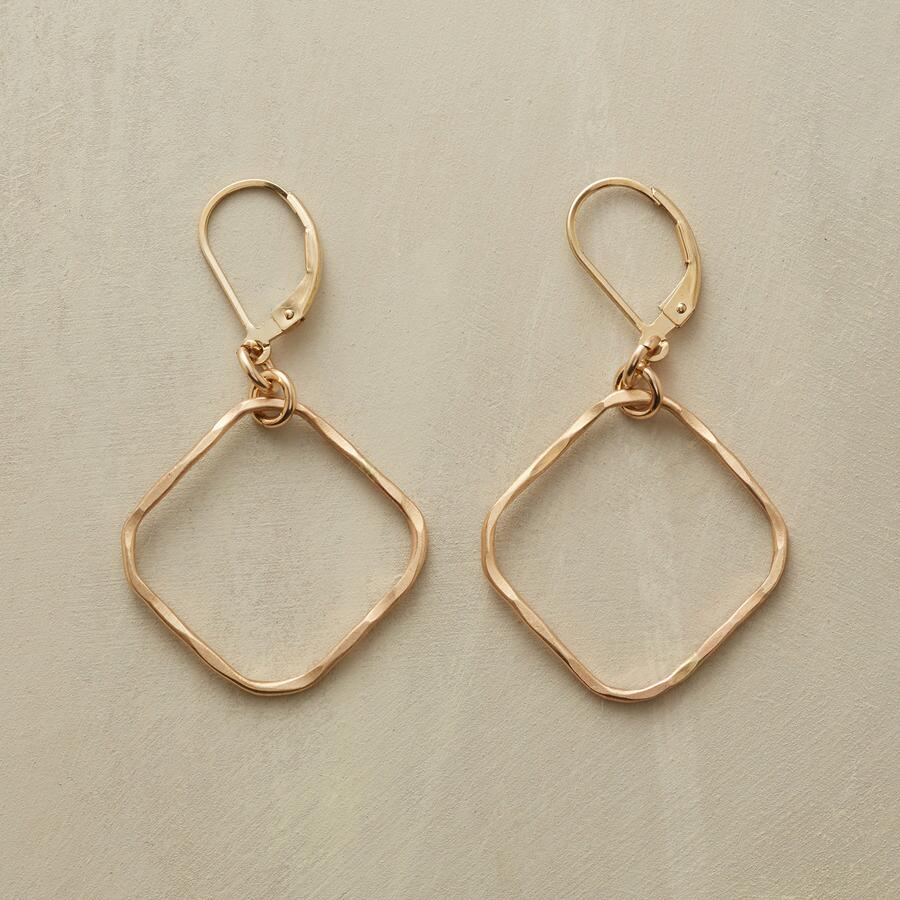 GOLDENROUND EARRINGS
