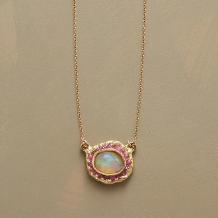 OPAL IN THE MIDDLE NECKLACE
