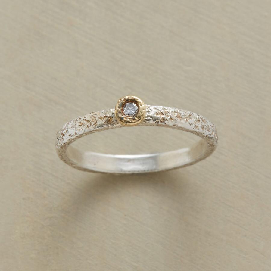 EASY GOING DIAMOND RING