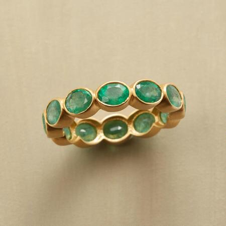 EMERALD BUBBLE BEZEL RING