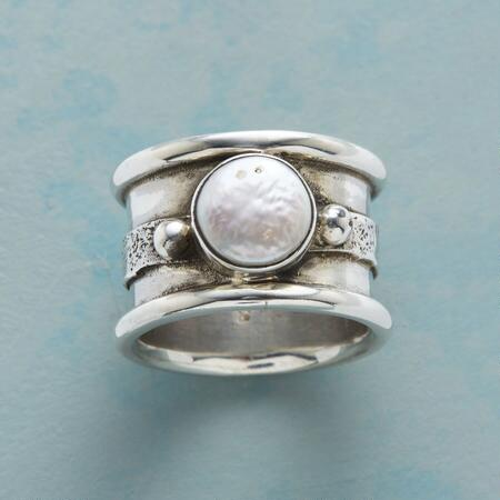 PLANET PEARL RING