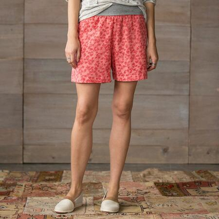 COOL N EASY PATTERENED ROLL TOP SHORTS