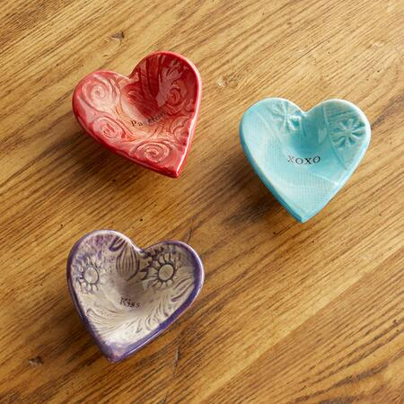 SENTIMENT GIVING HEARTS, SET OF 3