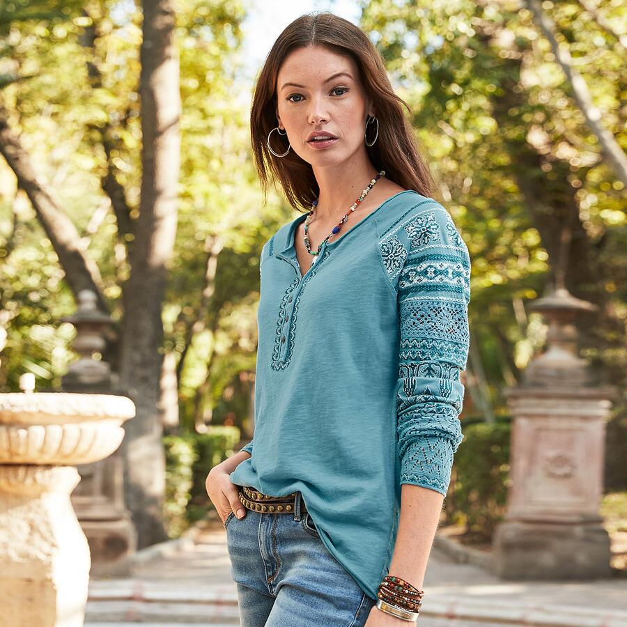 INSIGHTS EMBROIDERED HENLEY