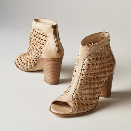 TRIANON SHOES