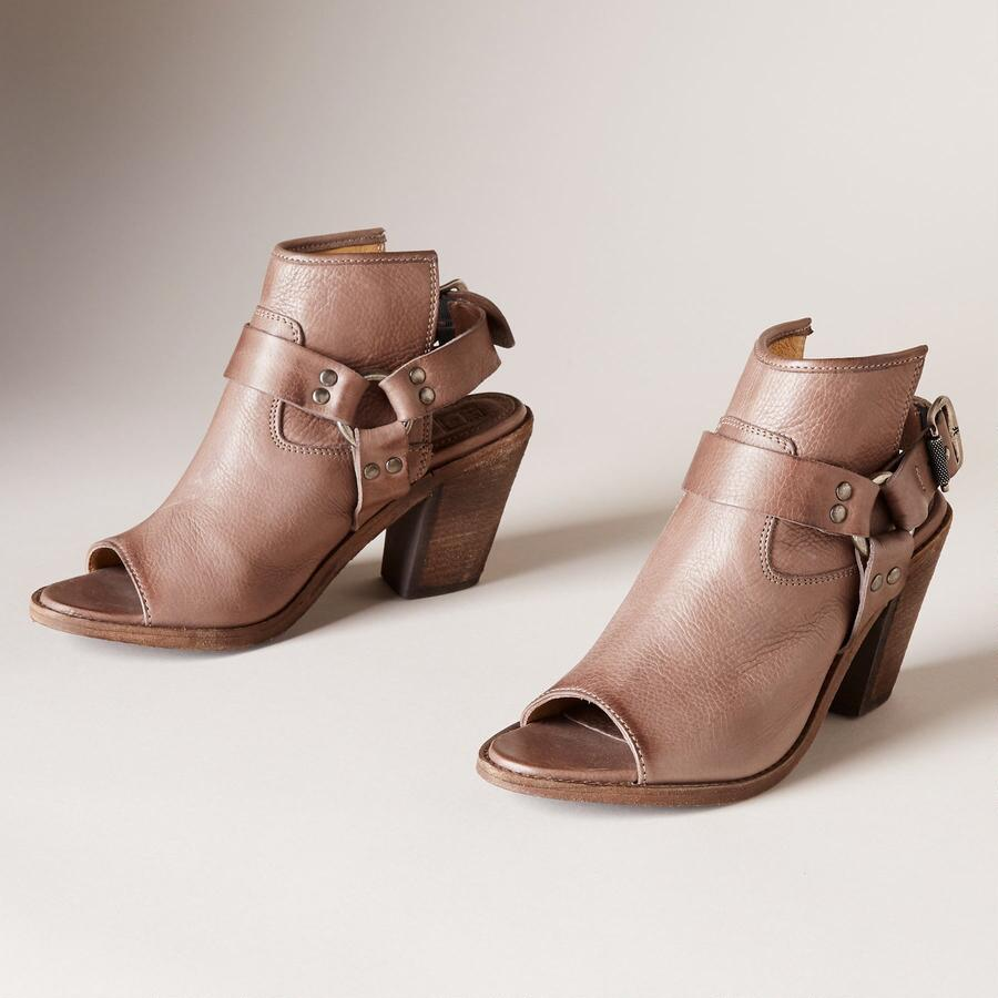IZZY HARNESS SLING SANDALS