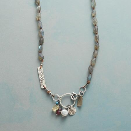 STANZA NECKLACE