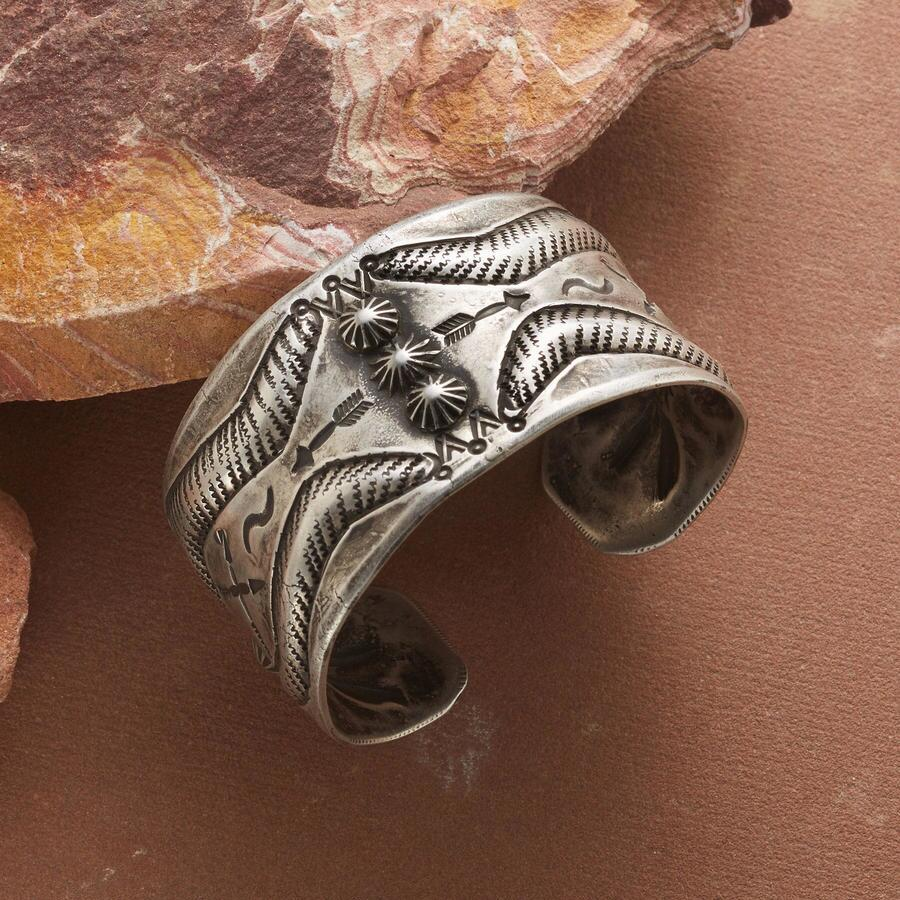 FOUR WINDS REPOUSSE CUFF