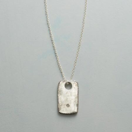 ONE LIGHT NECKLACE