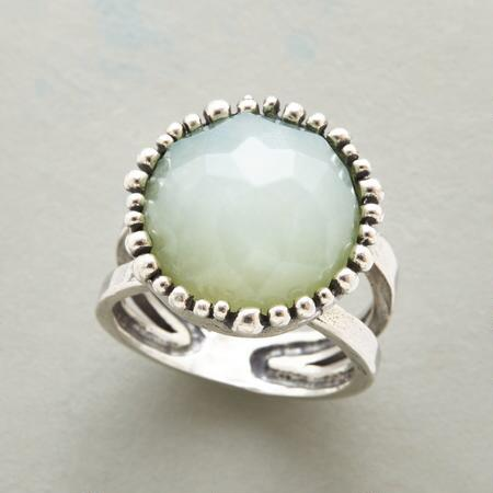 GREEN ROSEBUD RING