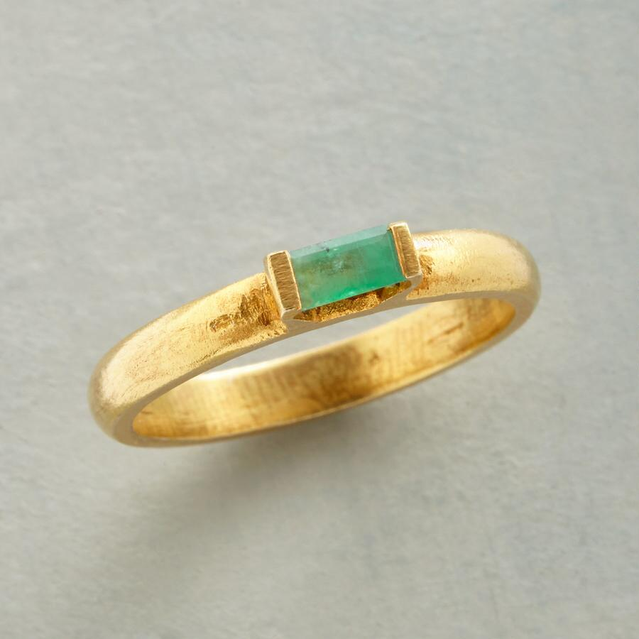 CLEAR VIEW EMERALD RING