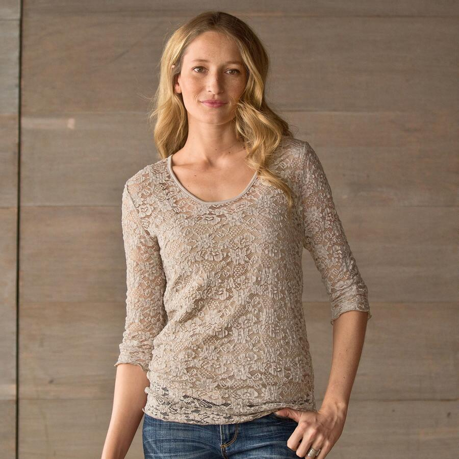 FIELDS OF LACE TOP