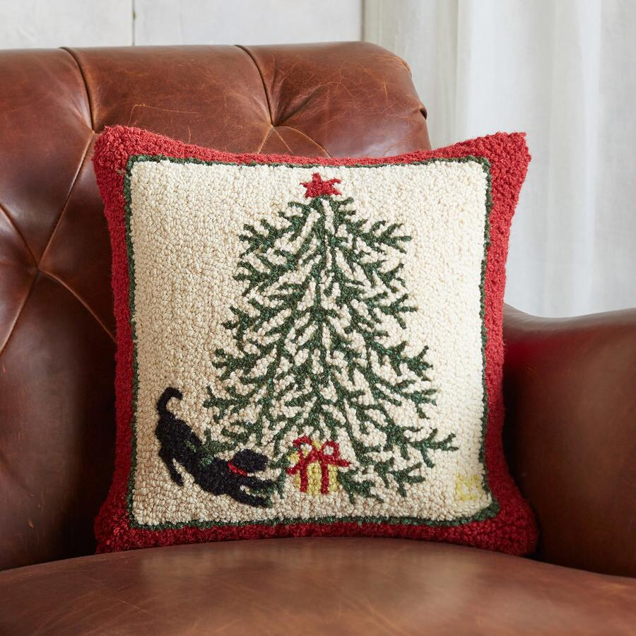 UNDER THE TREE PILLOW