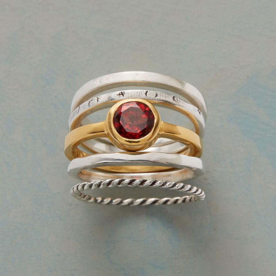FAMILY OF FIVE RINGS