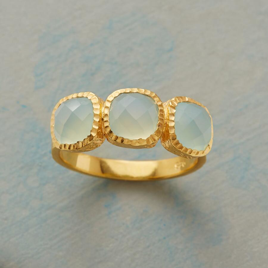PEBBLED CHALCEDONY RING
