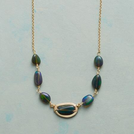 GREEN GLORY NECKLACE