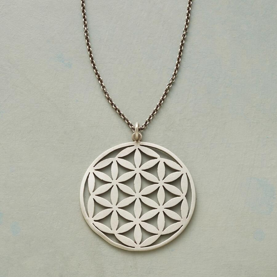 THOUSAND FLOWERS NECKLACE