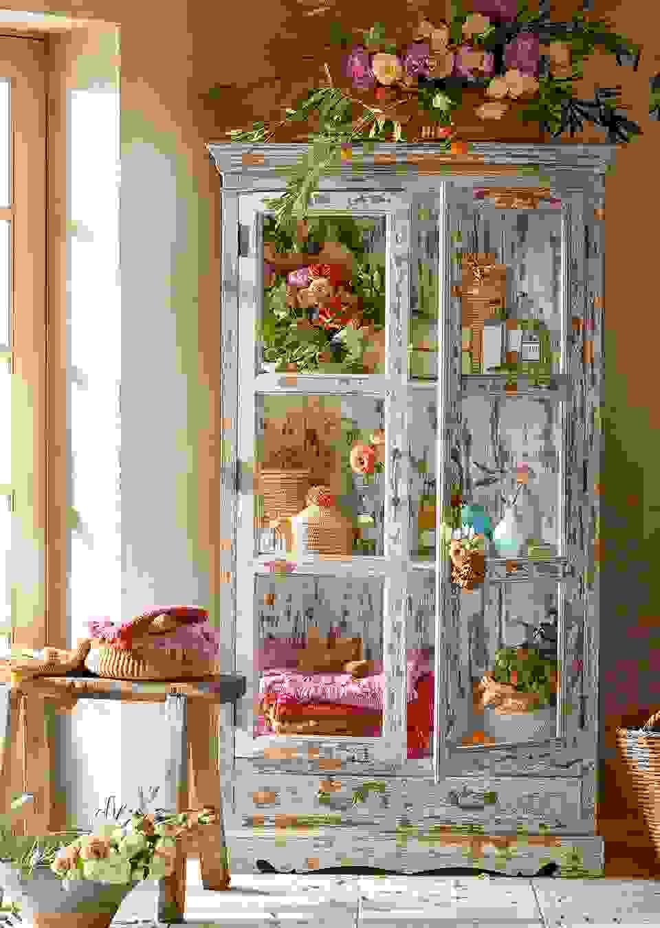 Maebel Cabinet