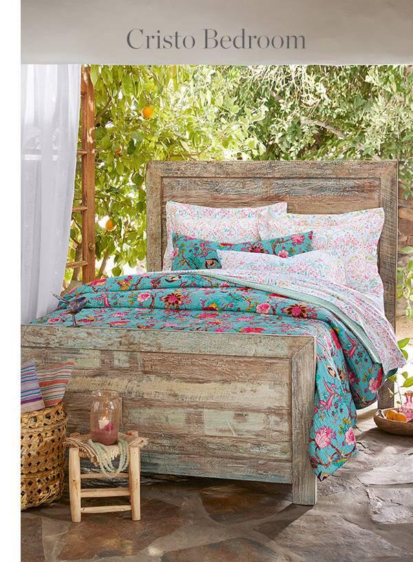 Cristo Bedroom