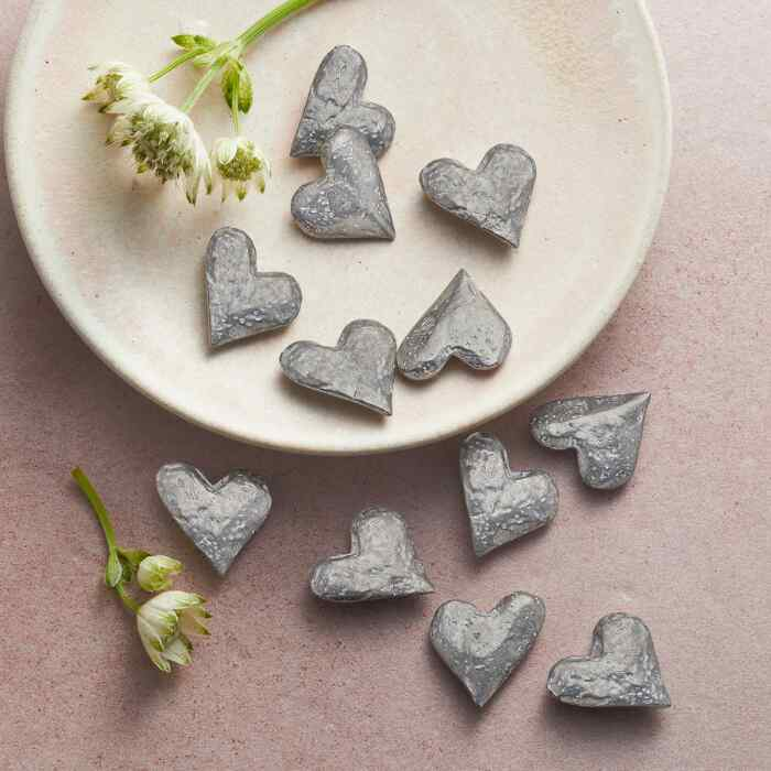 HANDFUL OF HEARTS, SET OF 25
