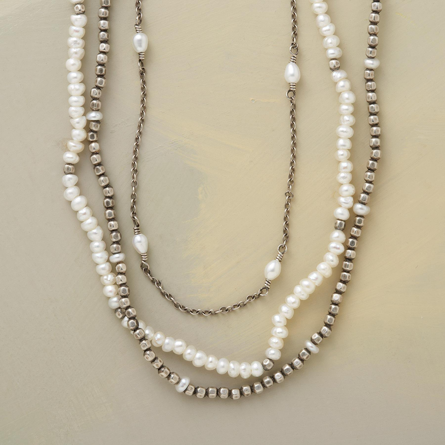 VICE VERSA PEARL NECKLACE: View 1