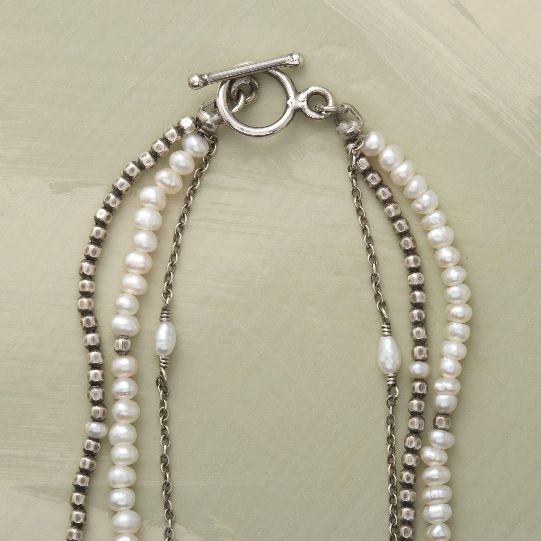 VICE VERSA PEARL NECKLACE: View 2