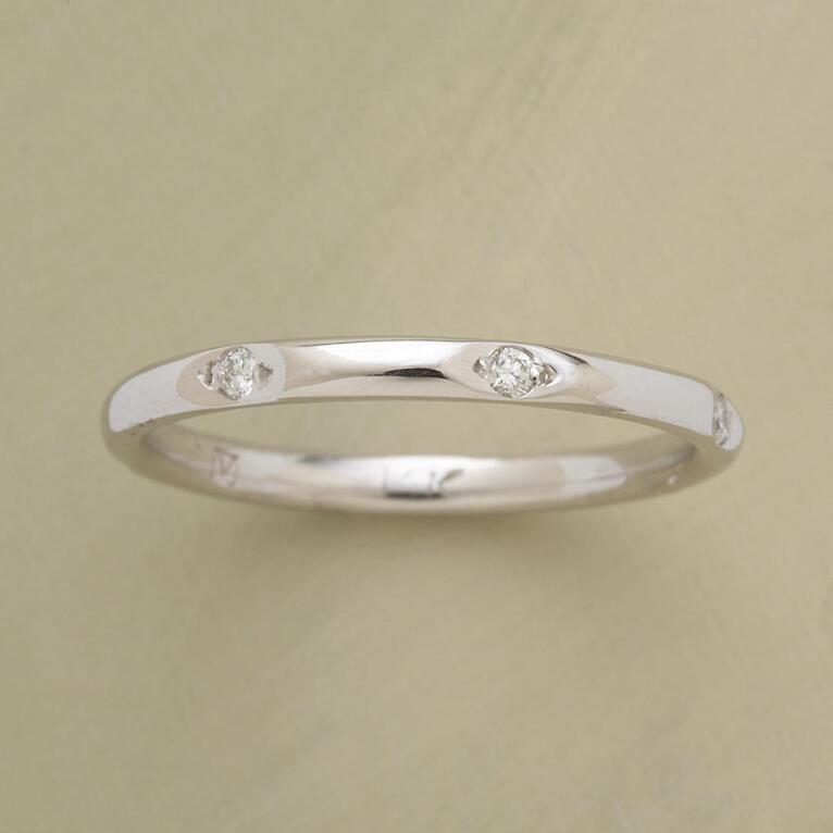 WHITE GOLD CIRCLE OF DIAMONDS RING