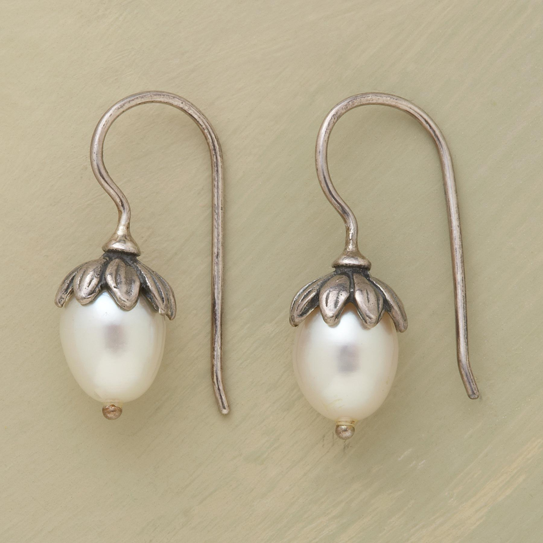 LOTUS PEARL EARRINGS: View 1