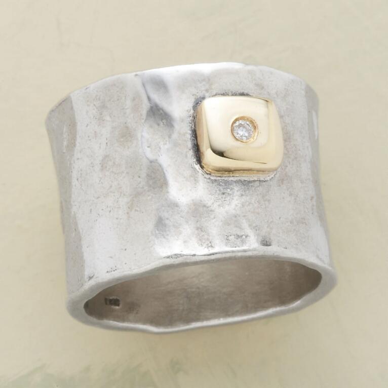 DIAMOND DEWDROP BAND RING