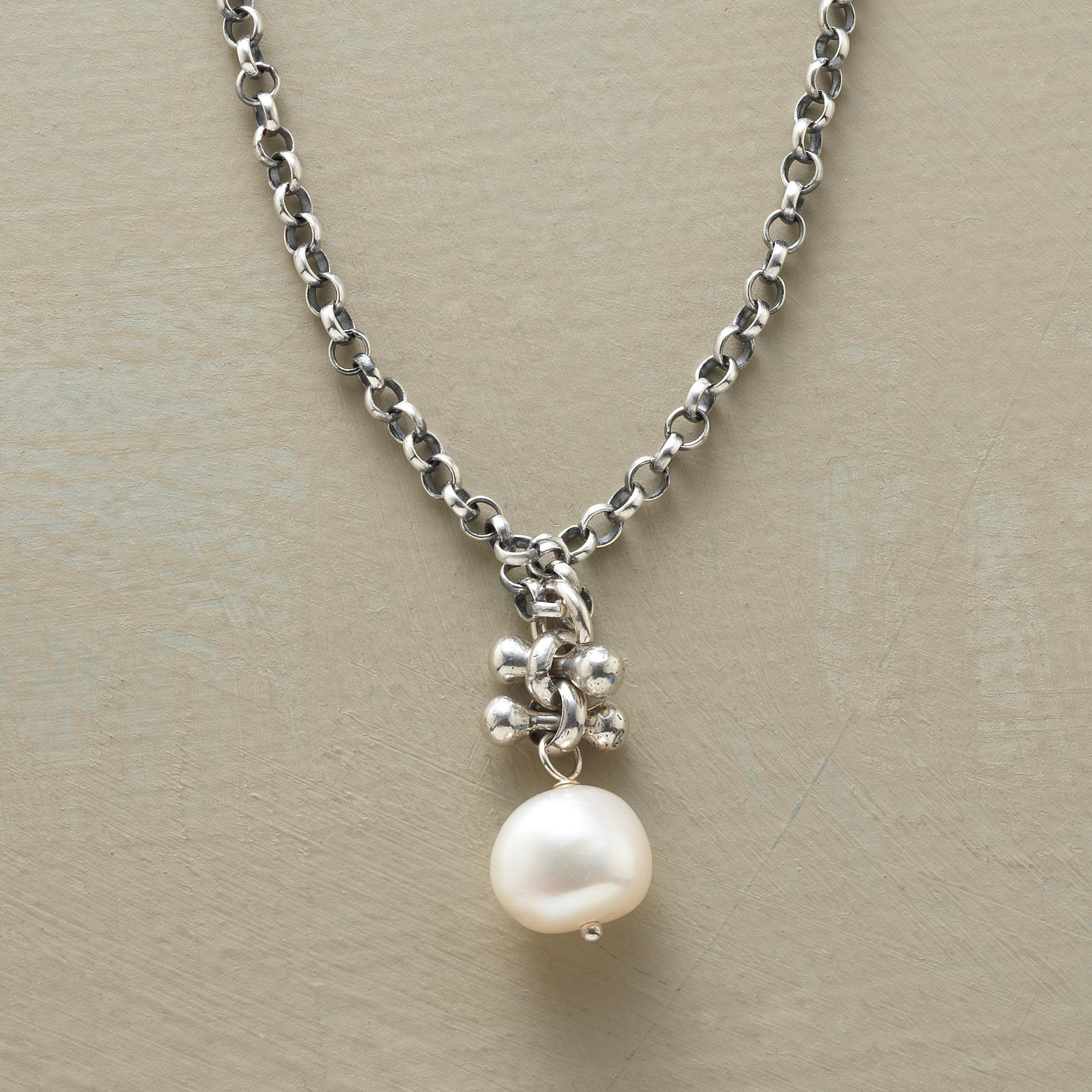 PEARL SOLITAIRE PENDANT: View 1