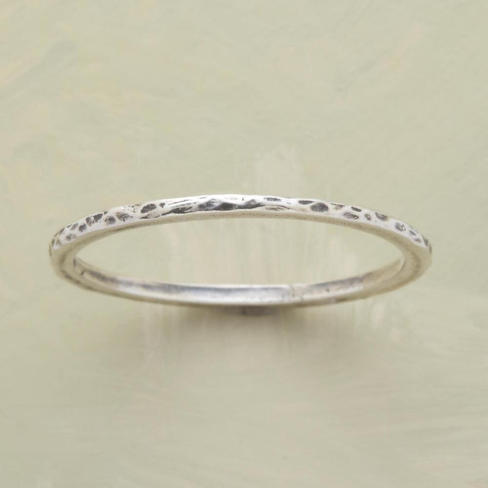 THREAD THIN HAMMERED BAND RING: View 1