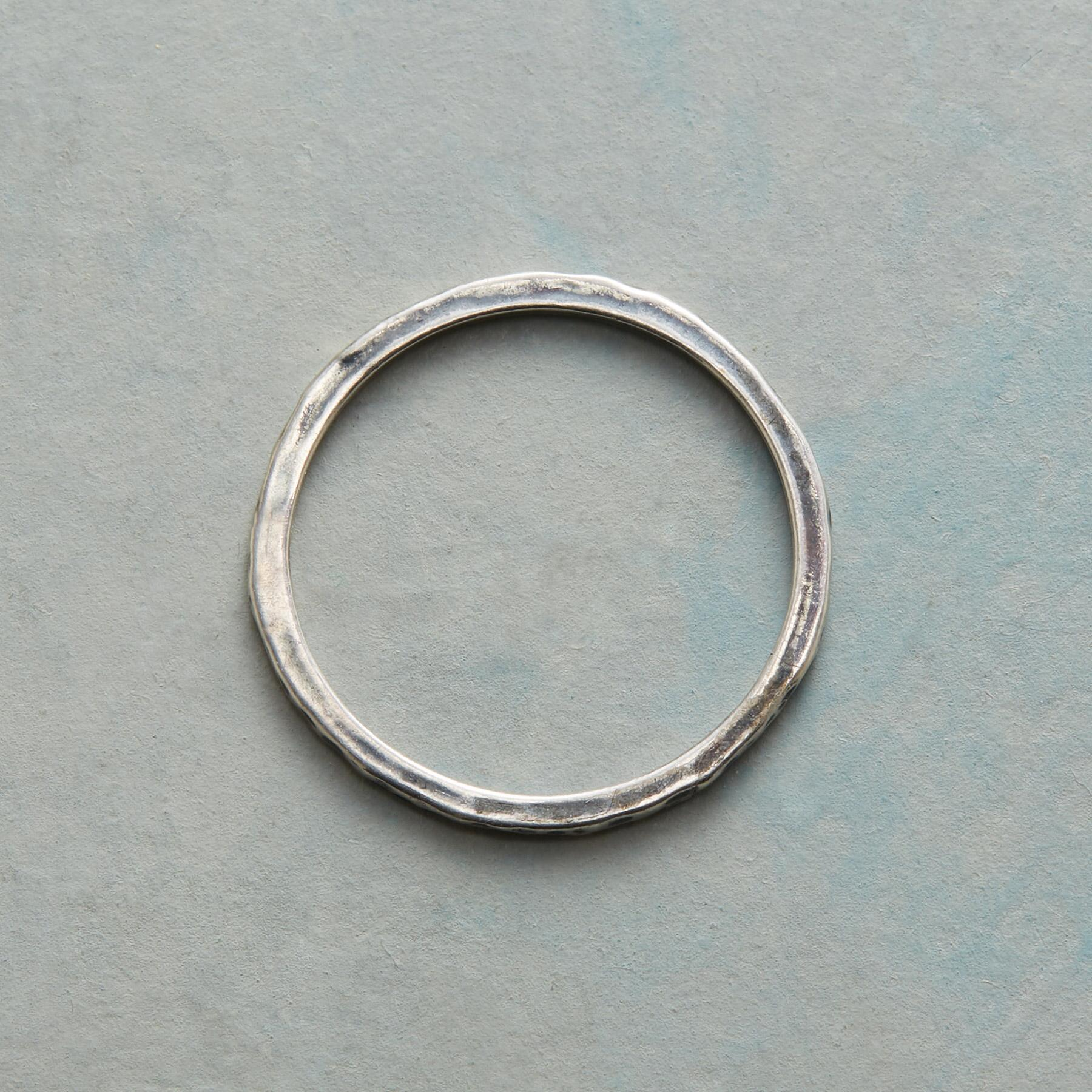 THREAD THIN HAMMERED BAND RING: View 2