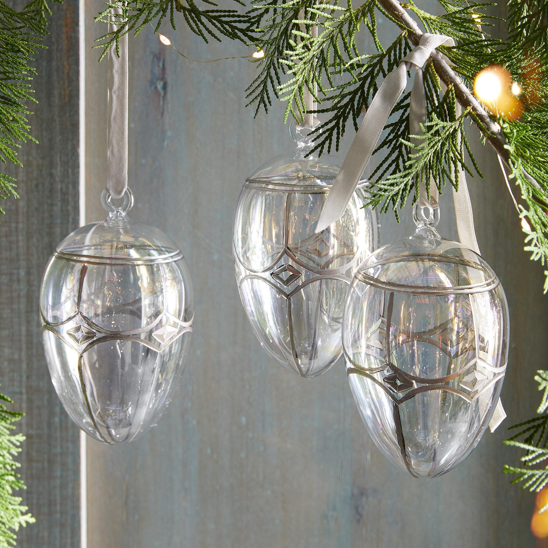 BRILLIANT GLASS EGG ORNAMENT: View 1
