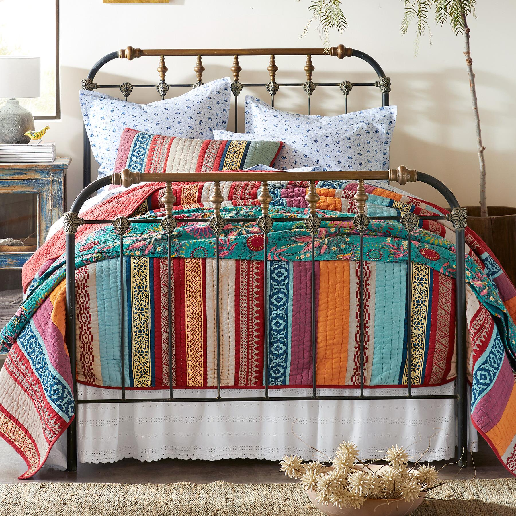 BOHO BED: View 1