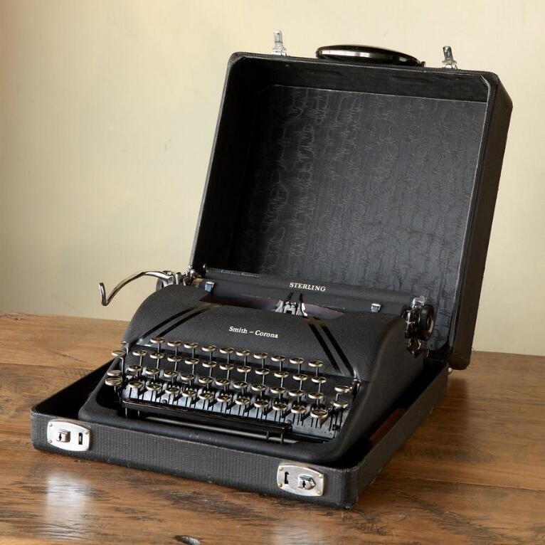 SMITH-CORONA STERLING TYPEWRITER